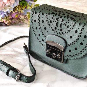 Elegantná dámska kabelka z pravej kože
