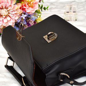 dámska elegantná luxusná kožená čierna menšia kabelka s popruhom crossbody