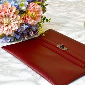 večerná bordová dámska listová kabelka elegantná luxusná kožená